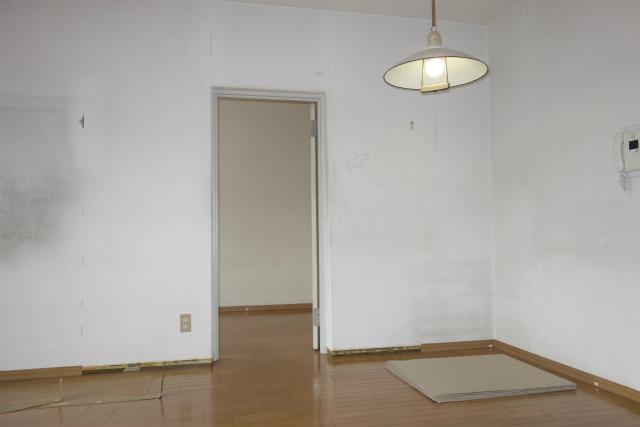 ドアを引戸に交換① 横浜 港南区 マンション
